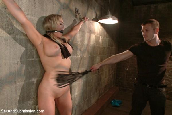 Frauen Peitschen mit der Bullwhip
